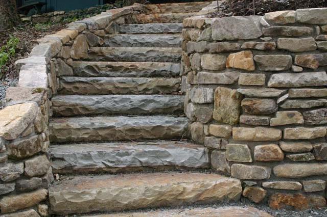 for Escalera exterior de piedra
